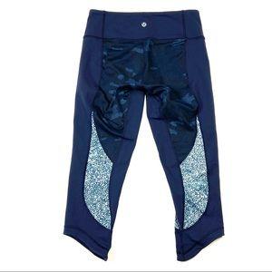 Lululemon Yoga Leggings Cropped Camo Blue 6